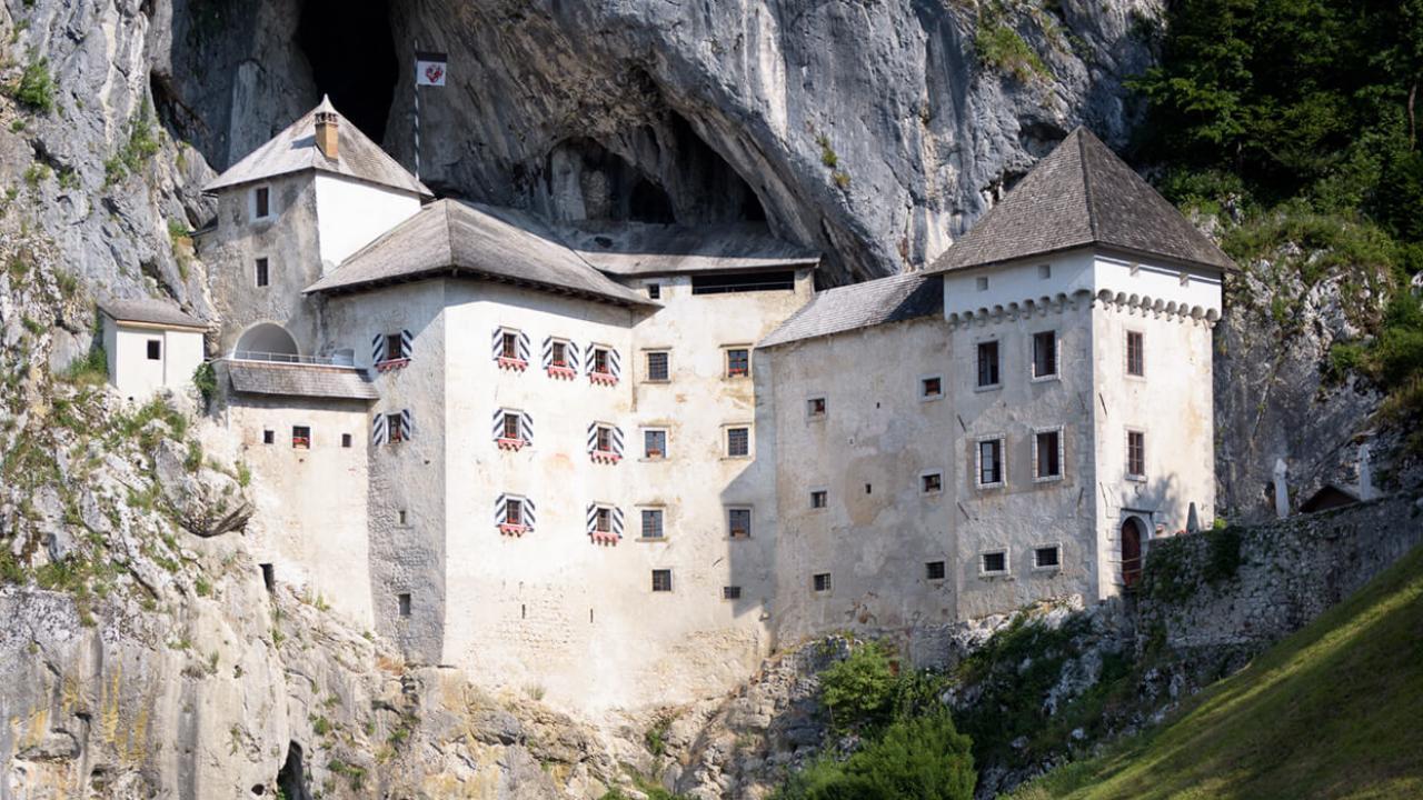Castello di Predjama – Slovenia