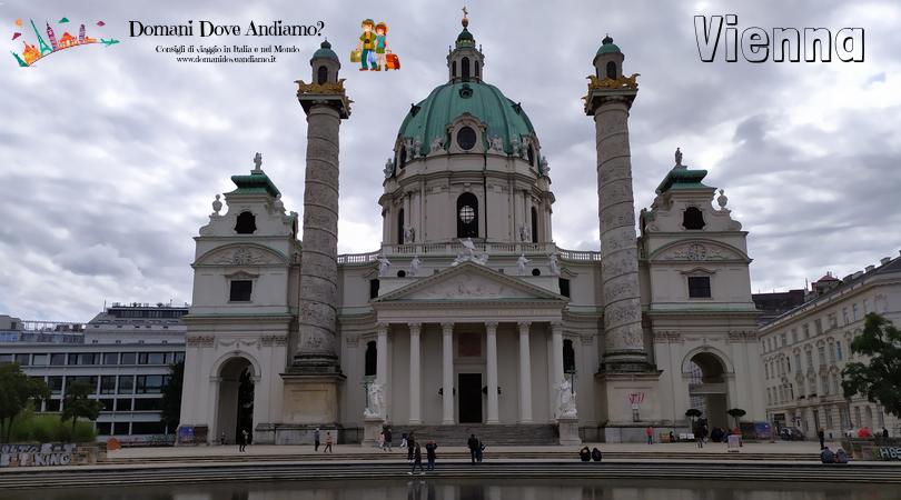 L'imponente chiesa barocca di Karlskirche